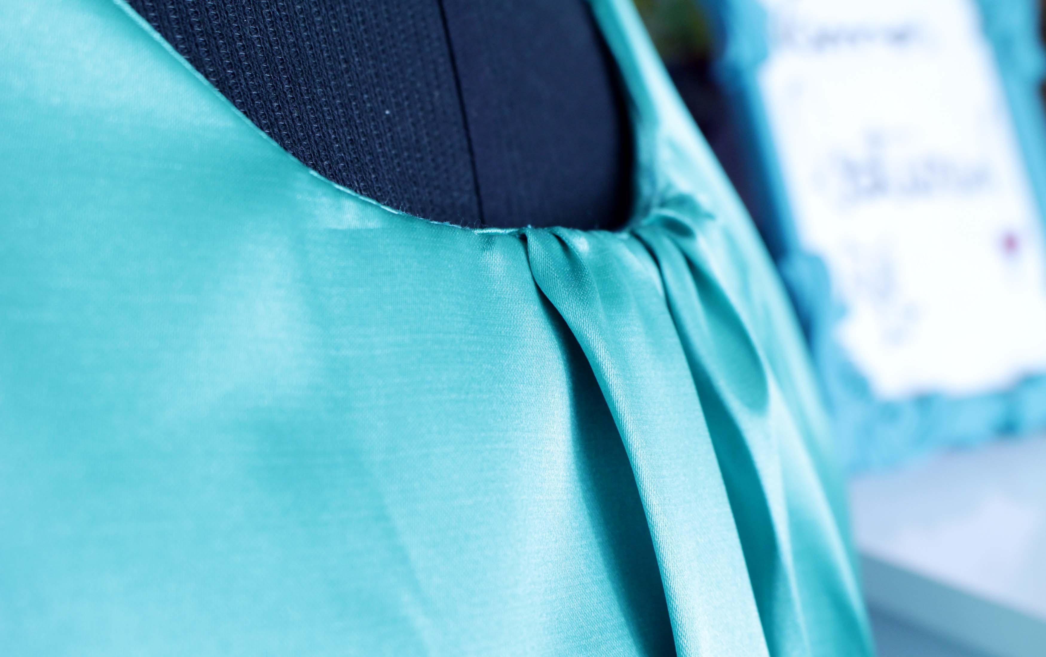 83a0a4d060 fabricada com 1mt de cetim com elastano. Você também pode substituir esse  tecido por cetim de seda