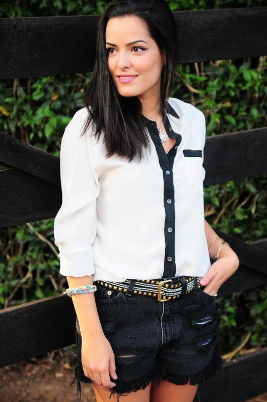 blog-da-mariah-look-do-dia-preto-e-branco-short-levis-spikes-equipment-7-530x797