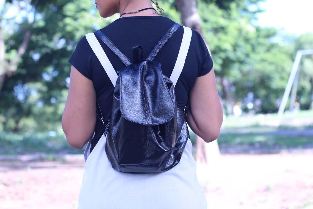 mochila,mochilete,mochilinha,bolsa,couro,china,dresslink,dayse costa,look básico