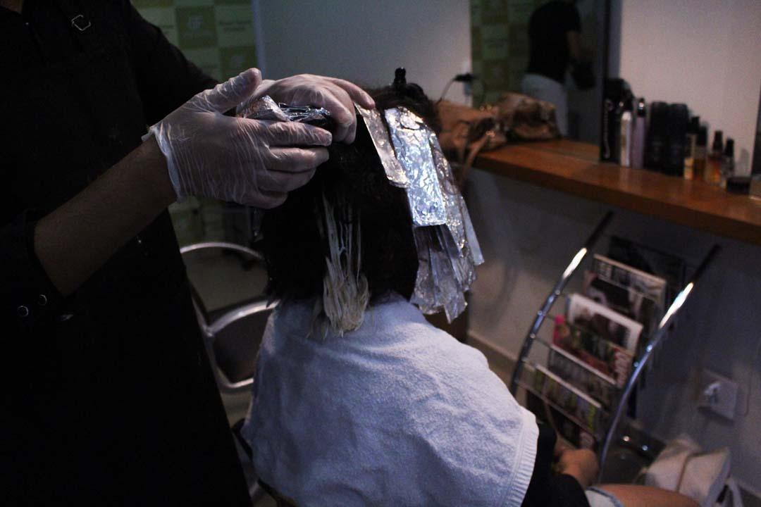 dayse costa,cabelo cacheado,do ruivo ao loiro,do ruivo ao loiro,como sair do ruivo,cabelo ruivo,cabelo vermelho,red curly,curly hair,cabelo loiro,ombre hair,pintando cabelo,transição,cabelo,cachos,cabelo natural,CUIDADOS COM LOIRO