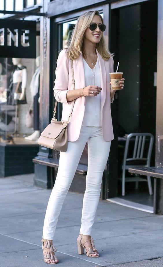 dayse costa,dicas de estilo,dicas de moda,look,look sofisticado,dicas de looks chics,cintura alta,cintura marcada,nude,óculos,cóqui,camisa branca, blazer
