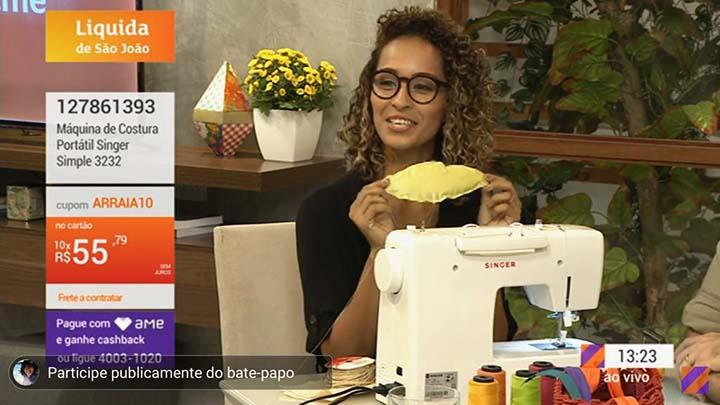 dayse costa na shoptime costurando projeto de gravata de espiga de milho para festa junina.